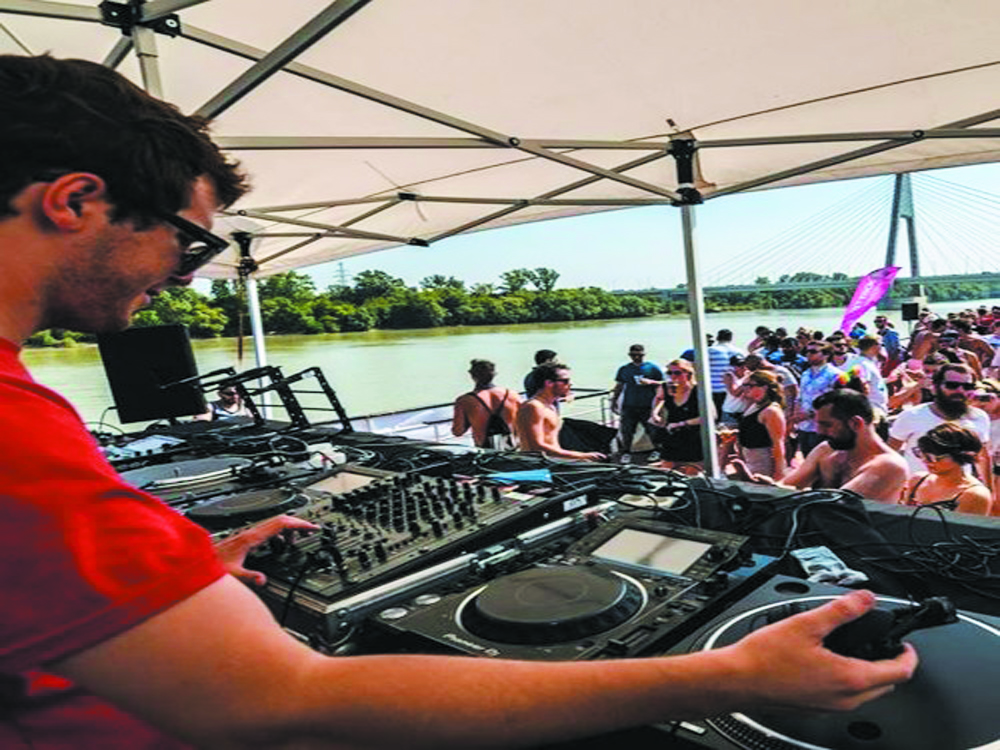 Awesome DJ on your boat party