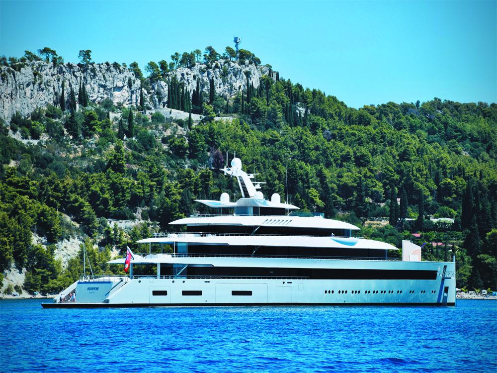 Private super yacht